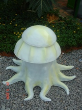 thùng rác hình con bạch tuộc